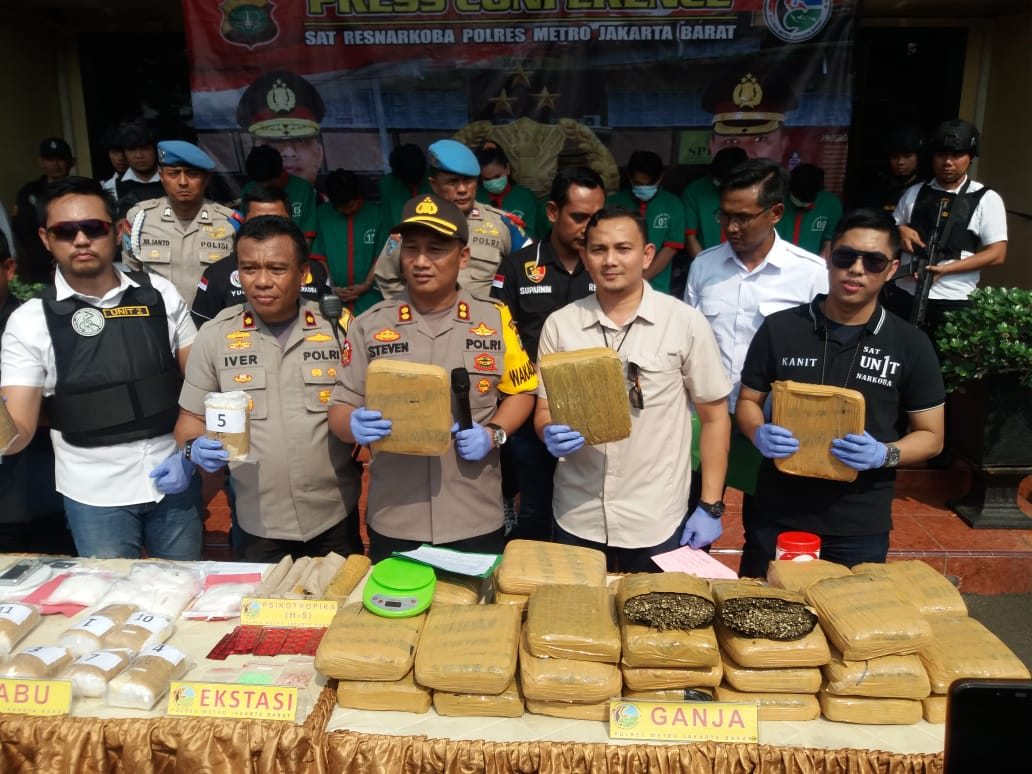 Jajaran Polres Jakarta Barat Ungkap Jaringan Narkoba Jelang Pergantian Tahun 2020