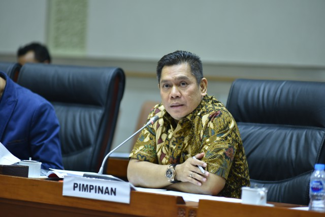 "Kinerja Kapolri Jenderal Idham Aziz Diberi ""Jempol"" oleh Wakil Ketua Komisi III"