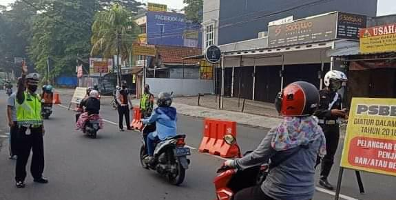 Polsek Bogor Barat Gencar Lakukan Pengecekan Pos PAM Check Point PSBB