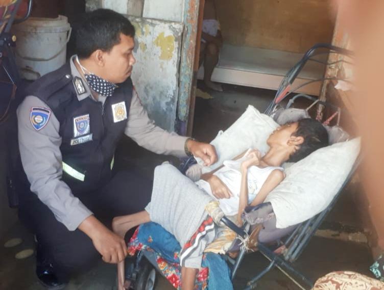 Kabid Humas Polda Sulsel Apresiasi Kinerja Bripka Zulkifli Bhabinkamtibmas Kecamatan Maggala Makassar