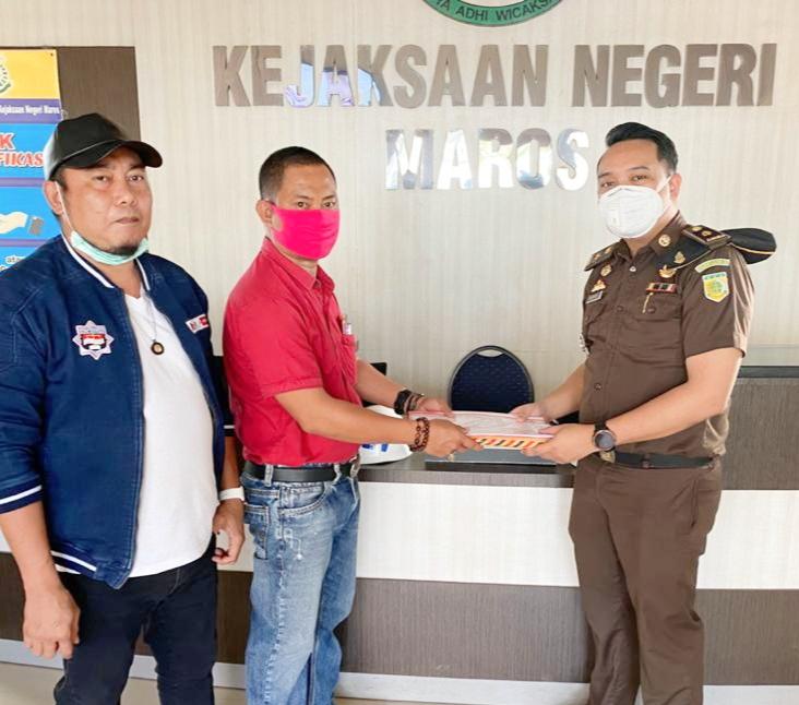 LSM Aliansi Pena Merah Kabupaten Maros, Resmi Melaporkan Kades Tupabbiring Kecamatan Bontoa