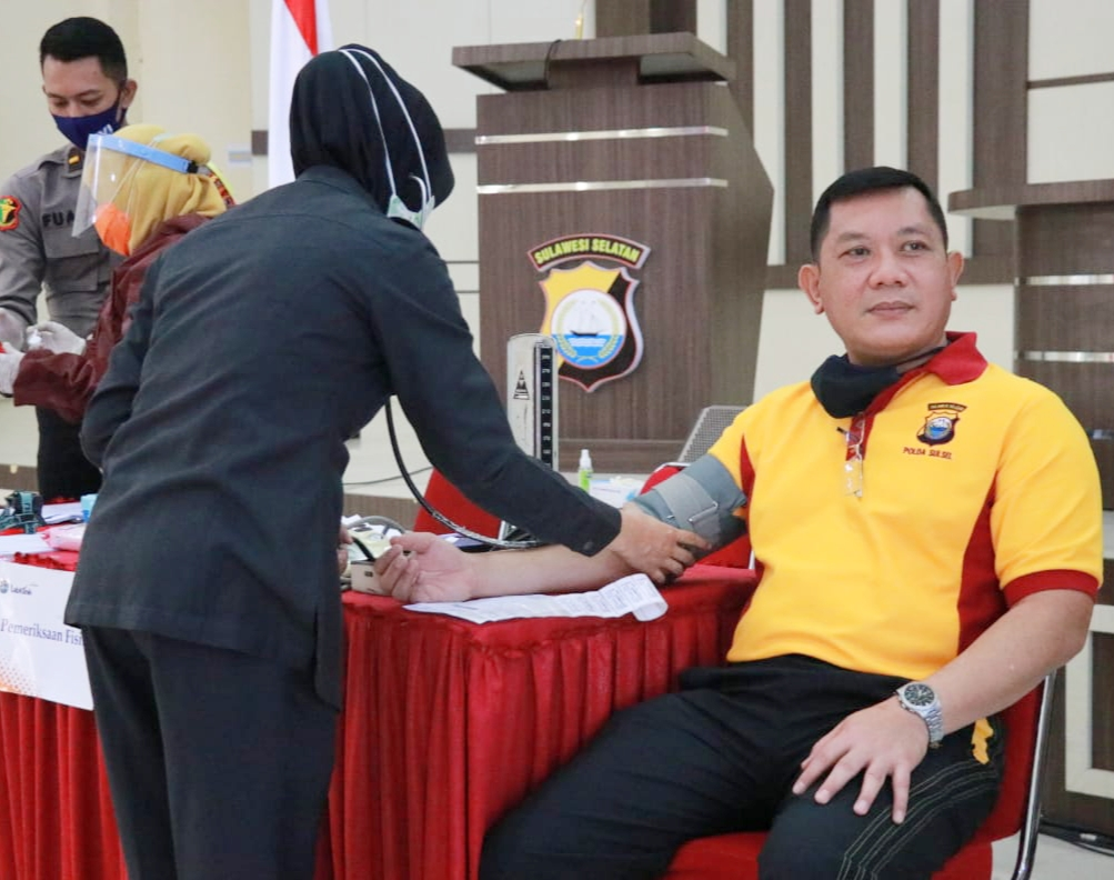 Kapolda Sulsel Bersama Para Pejabat Utama Melaksanakan Pemeriksaan Kesehatan Berkala