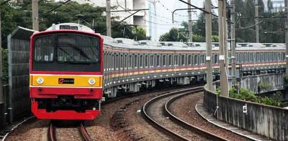 Kereta Commuter Dioperasikan Dengan Sejumlah Aturan Baru
