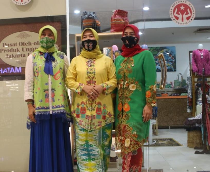 Berinovasi, Perajin Dekranasda Jakut Produksi Aneka Ragam Masker