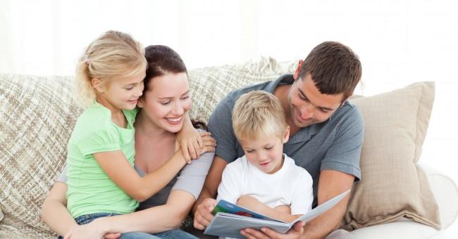 Peran Orangtua dan Keluarga Sebagai Pengasuh Utama dan Pertama Begitu Penting