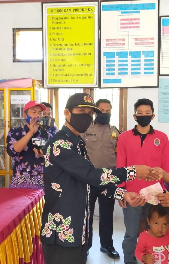Pekon Sedampah Indah, Kecamatan Balik Bukit Salurkan BLT DD Tahap 3