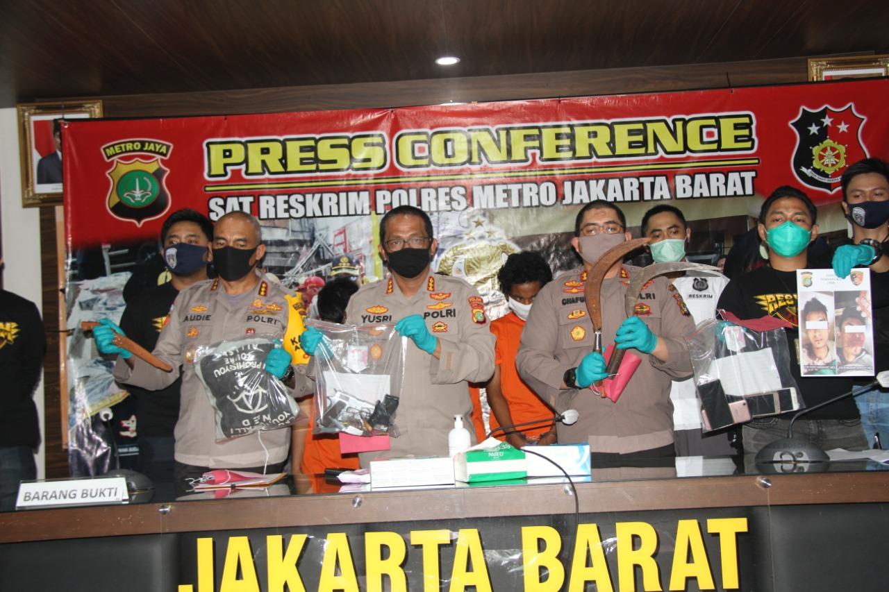 Polisi Bertindak Tegas, Kawanan Perompak Specialis Minimarket Bersenjata Api Diringkus, 2 Melawan di Dor