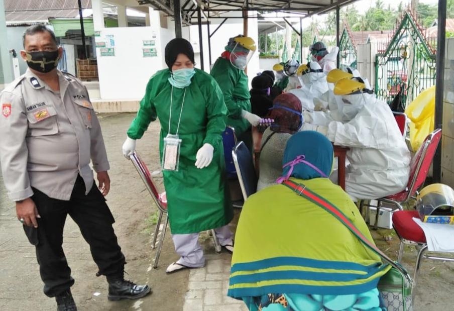 UPTD Puskesmas Camba Kab.Maros Lakukan Rapid Tes Massal di Pasar Camba