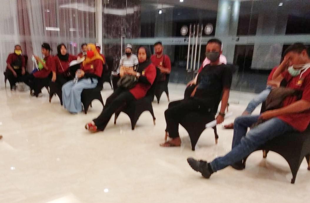 Puluhan TKI dari Malaysia Tiba di Makassar Langsung Jalani Karantina di Duta Covid Sulsel
