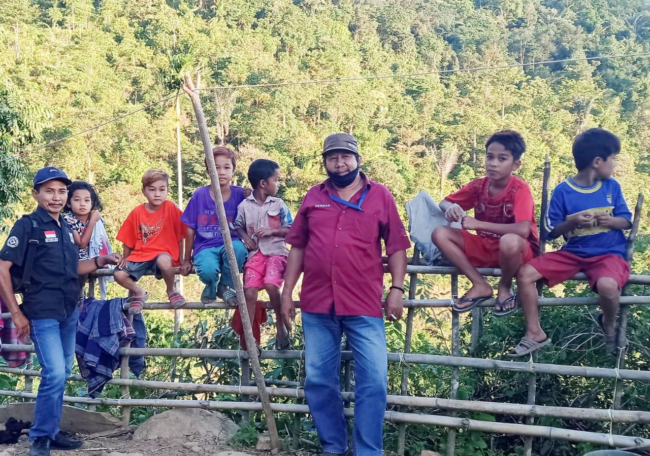 Anak Lereng Gunung Butuh Sarana Pendidikan Yang Layak