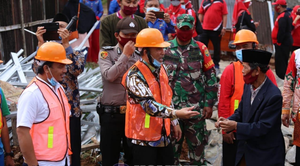 Bupati Lambar Letakan Batu Pertama Pembangunan UPT Puskesmas Kec Batu Ketulis