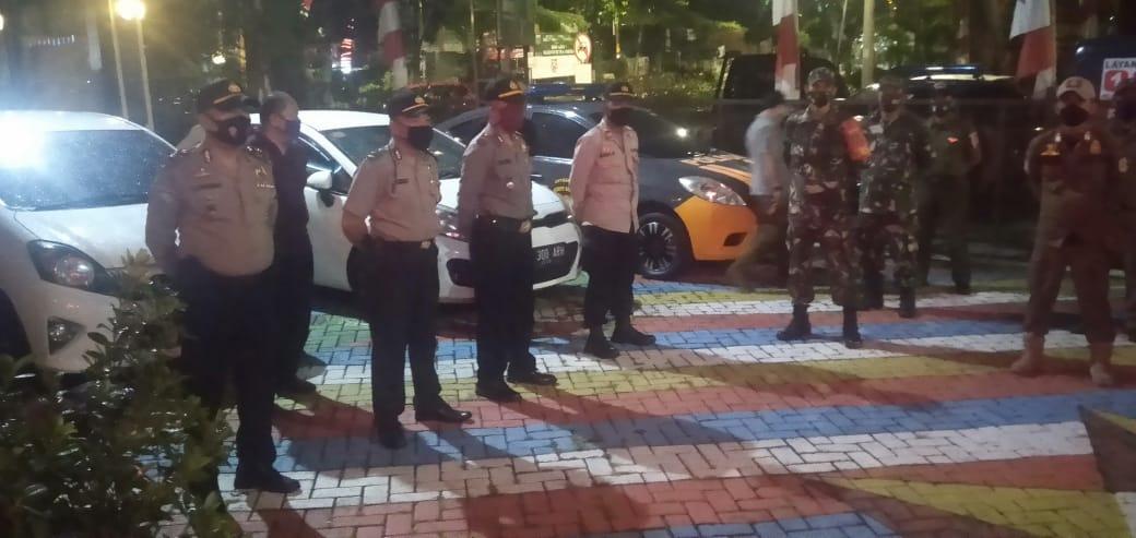 Mengamankan Wilayah, Polsek Kebun Jeruk Bersama 3 Pilar Patroli Mobile