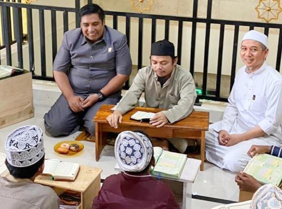 H.AS. Chaidir Syam Kunjungi Rumah Penghafal Al-Qur'an di Mesjid Miftahul Dalle