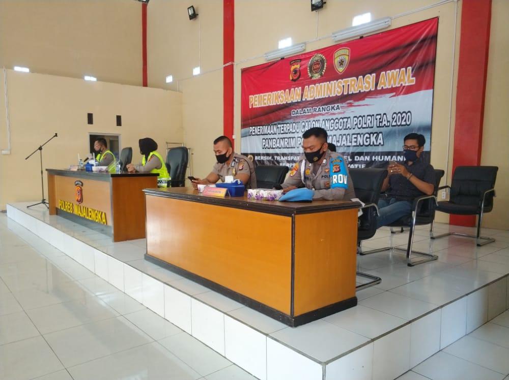 Kabag Sumda Polres Majalengka Buka Pemeriksaan Administrasi Awal Penerimaan Terpadu Calon Anggota Polri T.A 2020