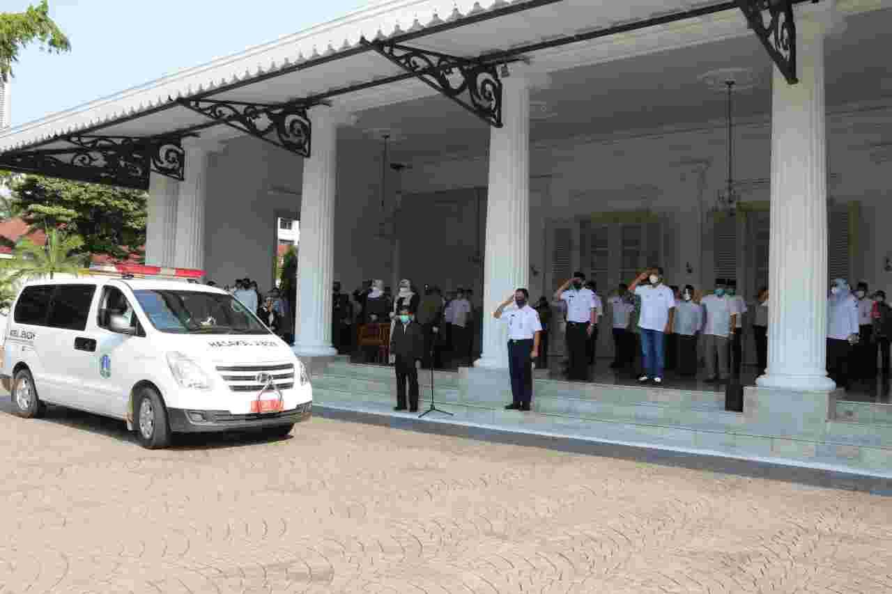 Gubernur ANIES Laksanakan Penghormatan Terakhir Dalam Upacara Pelepasan Jenazah Sekda DKI Jakarta