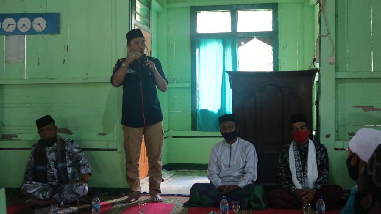 Implementasikan Salahsatu Program Pitu, Bupati Lambar Lakukan Dafari Jumat di Masjid Baitul Rohmat