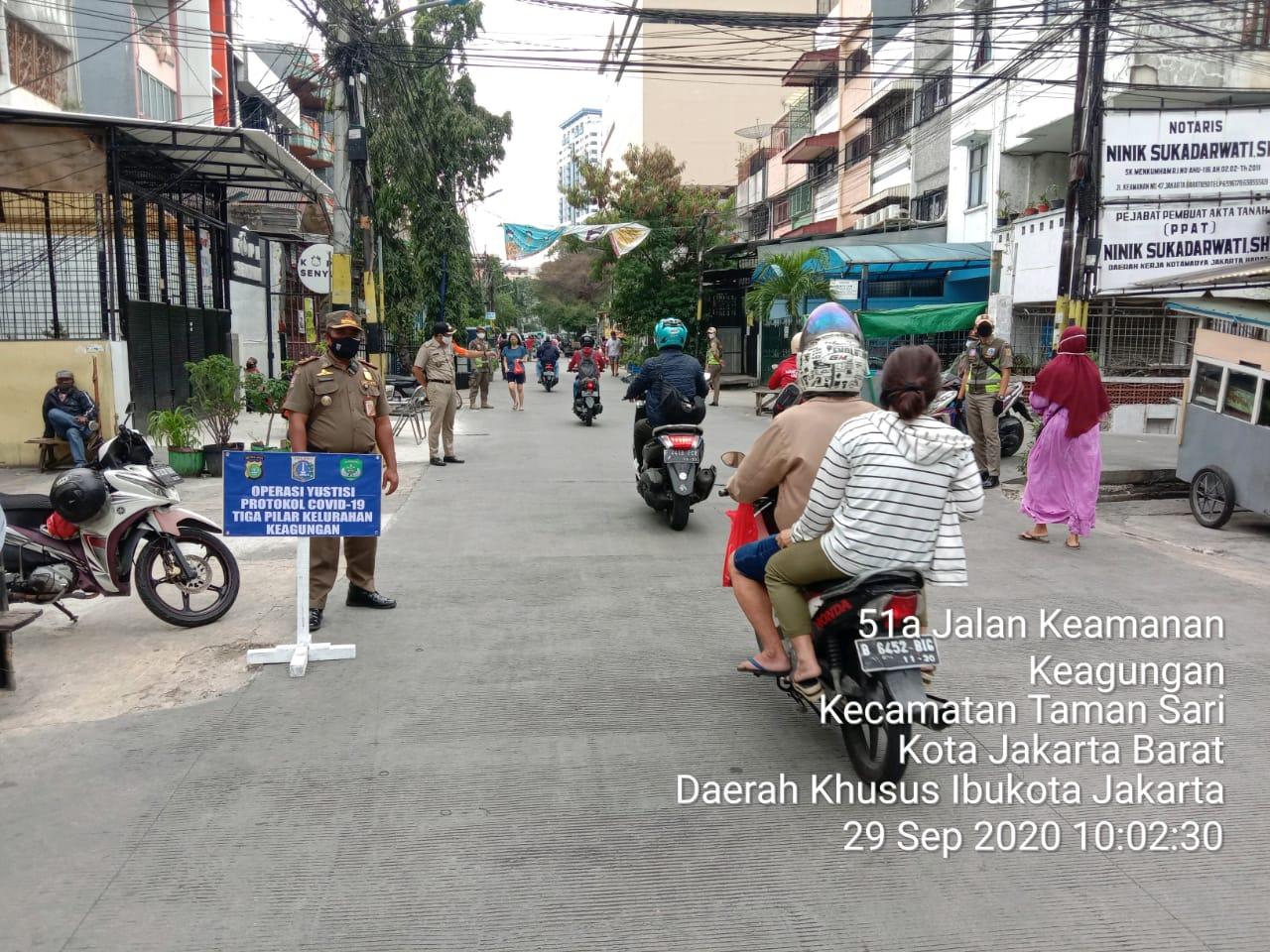 Giat Operai Masker Kelurahan Keagungan Taman Sari Jakarta Barat Masih Ditemukan Tidak Pakai Masker