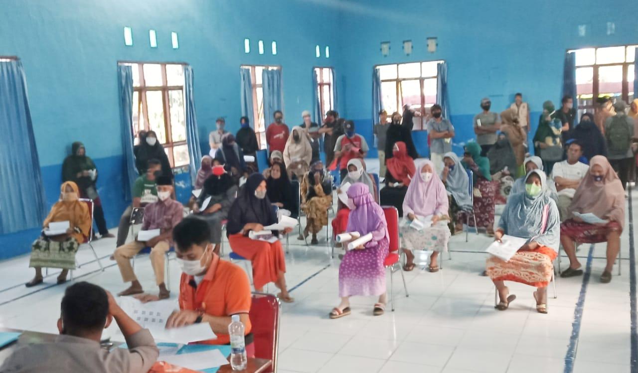 Warga Kecamatan Camba dan Mallawa Kabupaten Maros Terima BST Tahap lV -V