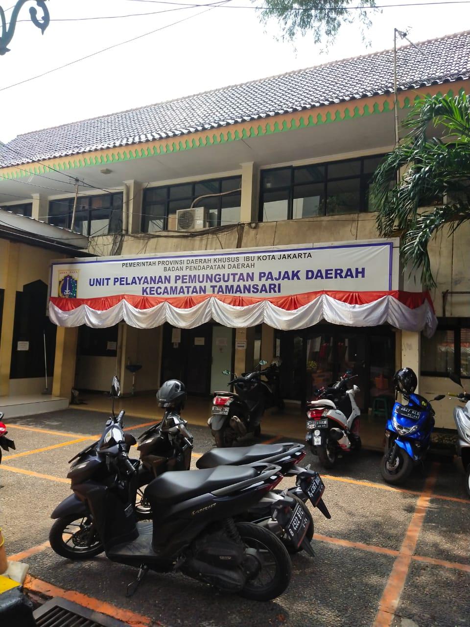 Petugas Dispenda Kecamatan Taman Sari Jakarta Barat Reaktif Covid 19 Kantor Pelayana Tutup Total