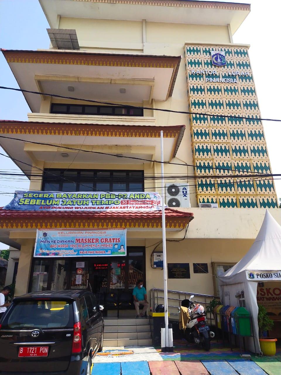 Kantor Kelurahan Pinangsia Ditutup Sementara