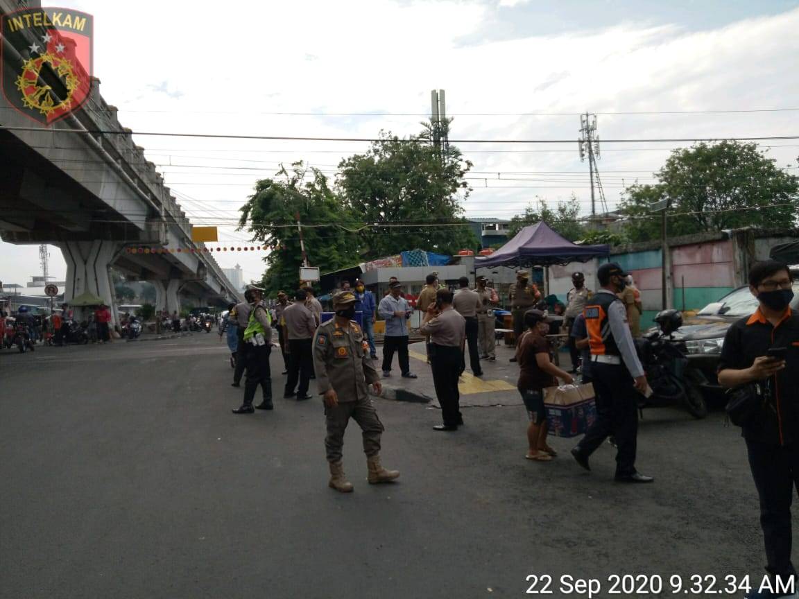 Tiga Pilar Kecamatan Tambora Operasi Yustisi, Temukan 30 Pelanggar Prokes