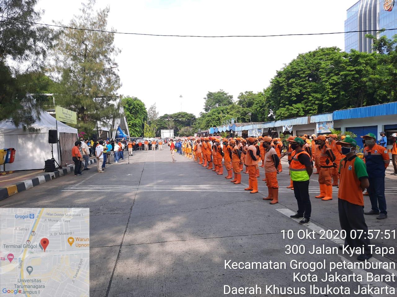 Walikota Jakarta Barat Uus Kuswanto Pimpin Apel Kerja Bakti Paska Unras