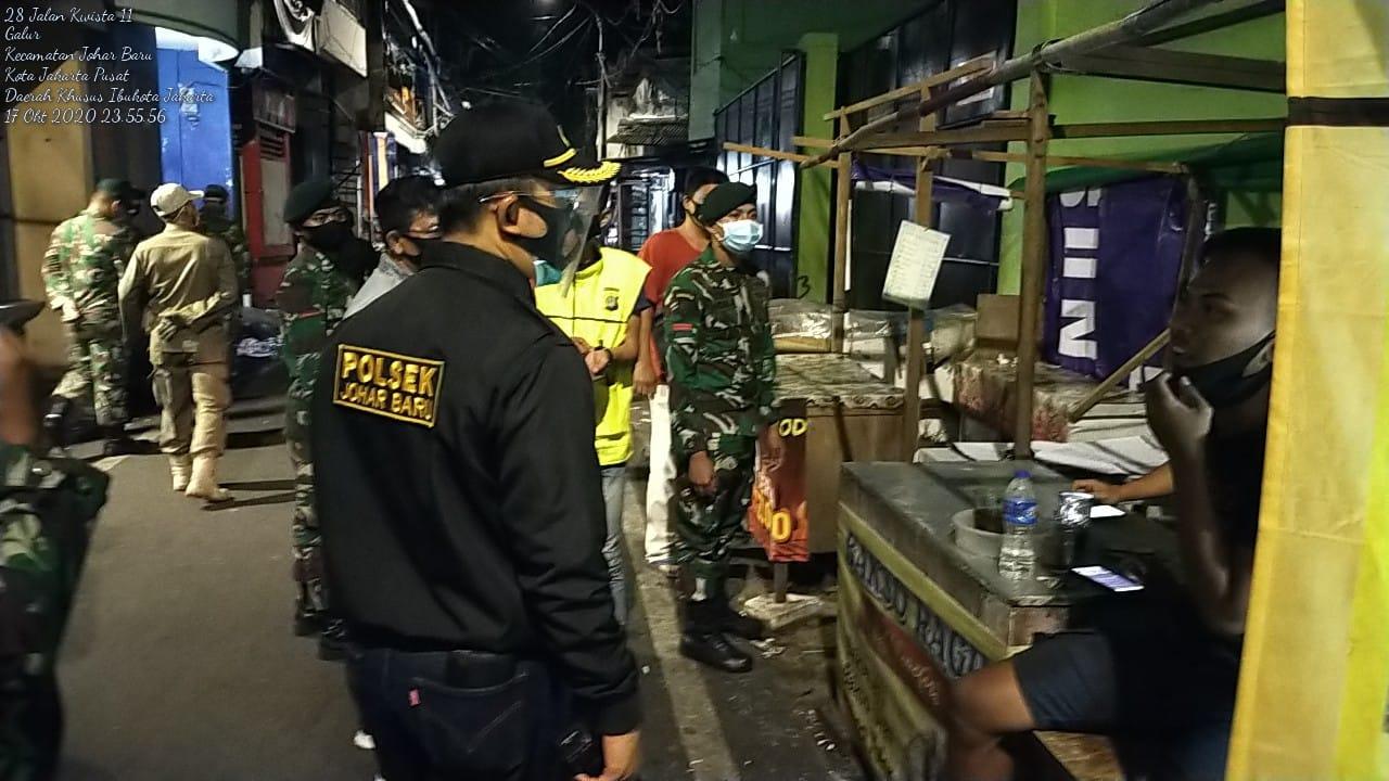 Polsek Johar Baru Temukan Sajam Saat Patroli Jalan Kaki Keliling Kampung