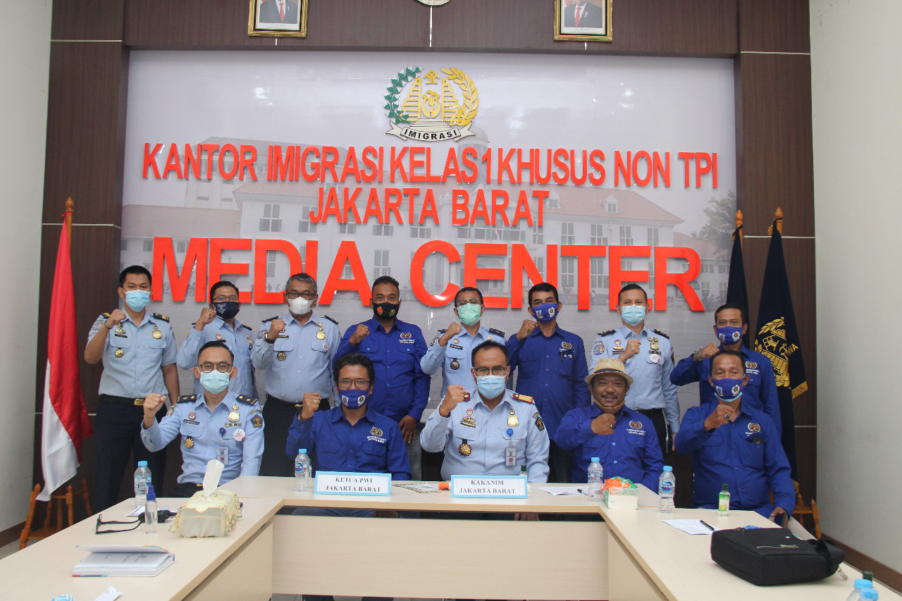 Kakanim Imigrasi Jakbar Bangun Sinergitas Bersama Koordinatoriat PWI Jakbar