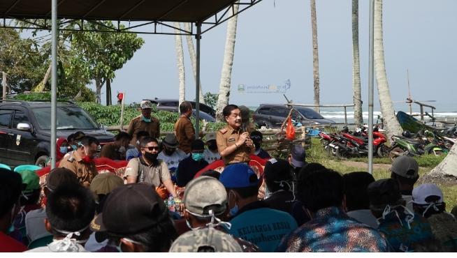 Pjs Bupati Hadiri Pembukaan Peningkatan Peran Serta Masyarakat Dalam Pengembangan Kemitraan Pariwisata Melalui Bersih Pantai