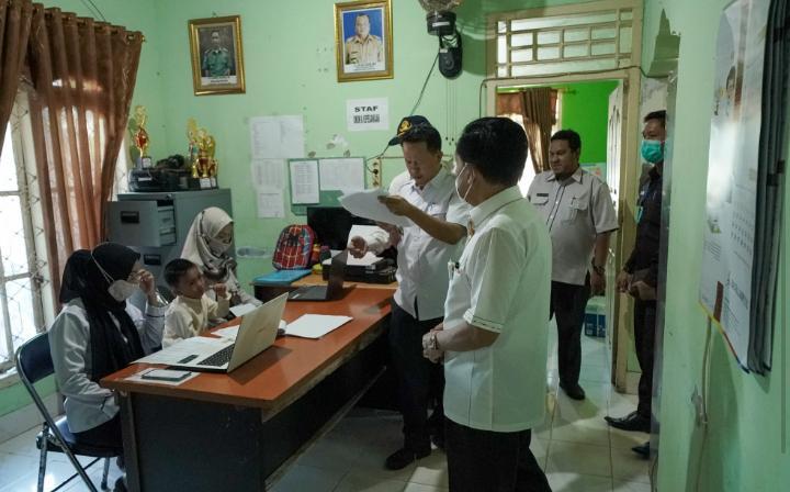 Pjs Bupati Pesisir Barat Monitor Langsung Kinerja dan Pelayanan Tiap OPD