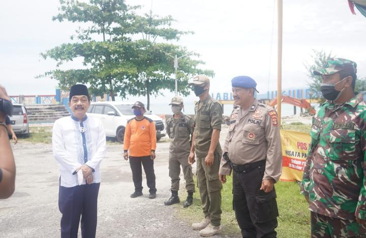 Antisipasi Melonjaknya Wisatawan, Pjs Bupati Pesisir Barat Monitoring Posko Cuti Bersama