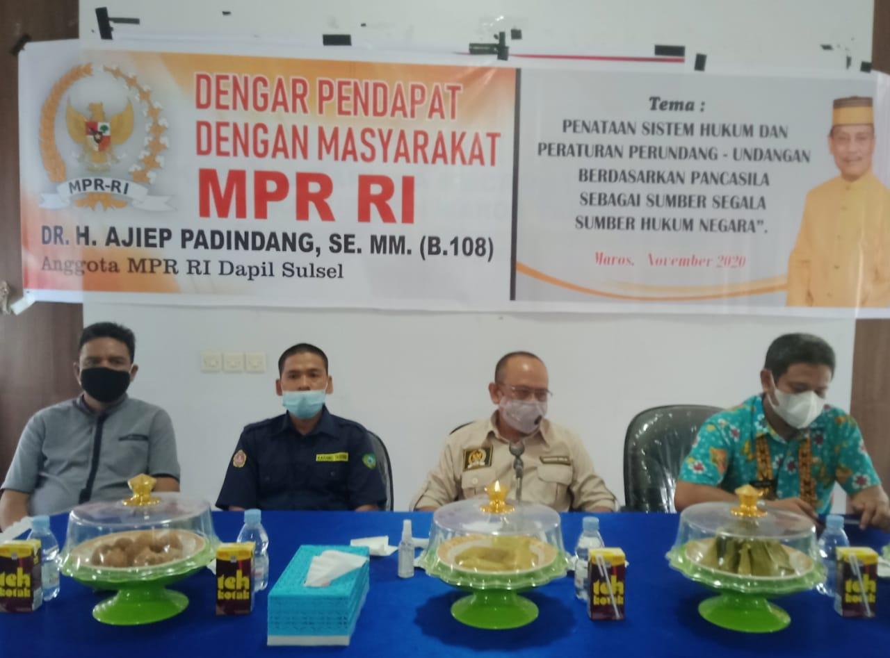 DR H.Ajiep Padindang Dengar Pendapat Dengan Masyarakat dan Anggota Karang Taruna Kecamatan Tanralili