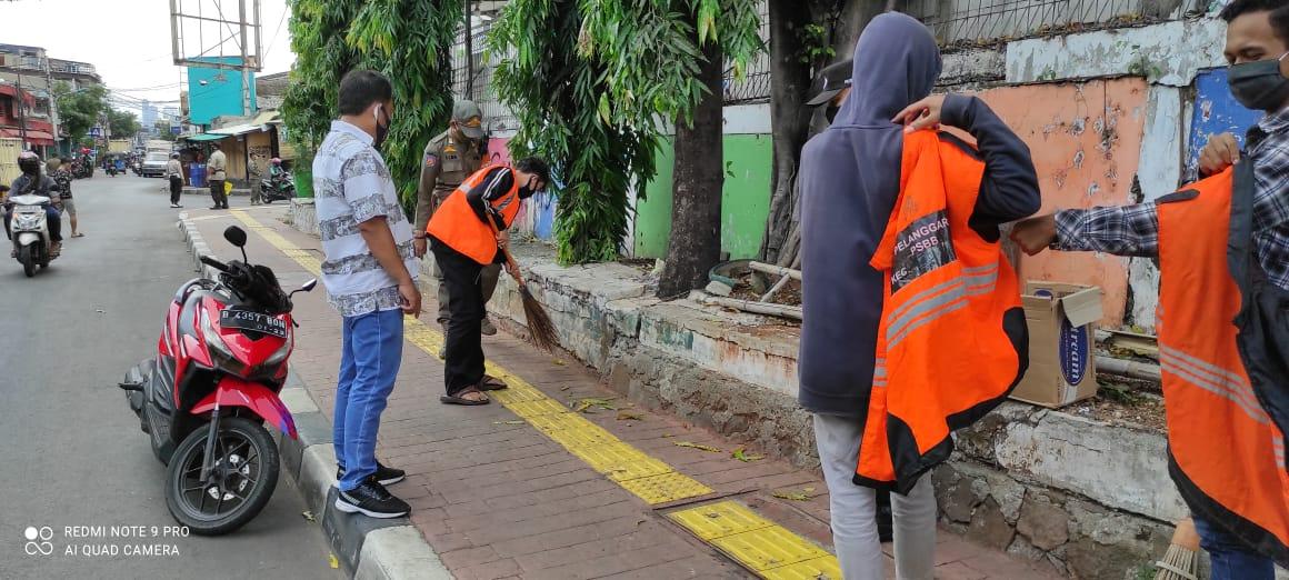 Kapolsek Tambora Rutin Berjibaku Tegakan Jaring Pelanggar Prokes