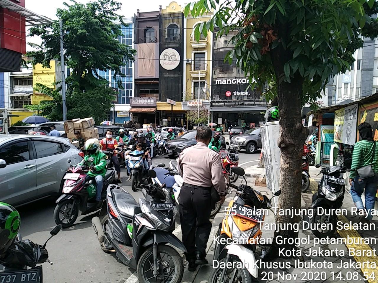 Edukasi Warga Pentingnya Prokes, Polsek Tanjung Duren Gelar Patroli Aman Nusa II