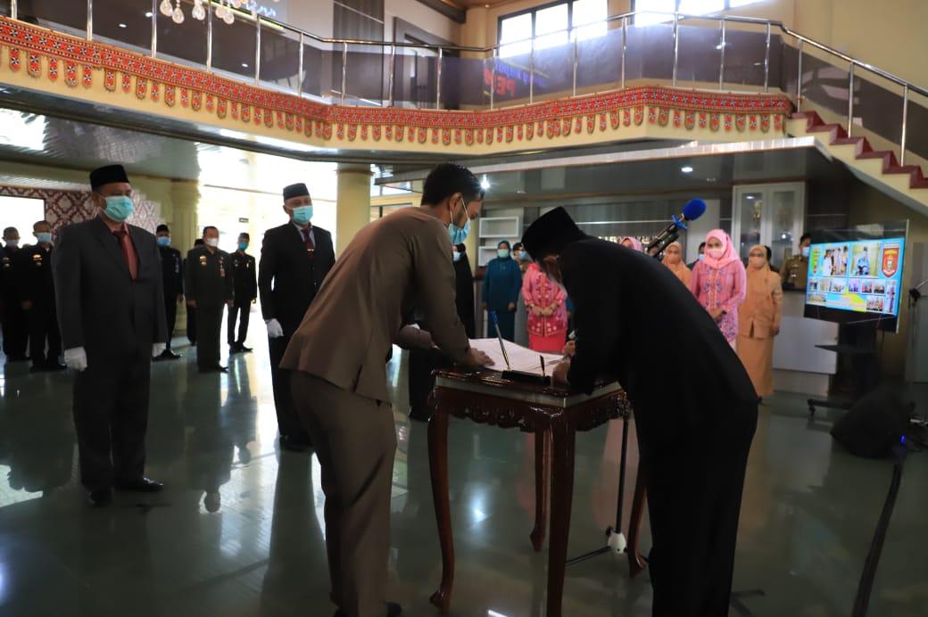 Bupati Lampung Barat Parosil Mabsus Lantik 4 Pejabat Pimpinan Tinggi Pratama di Lingkungan Pemkab