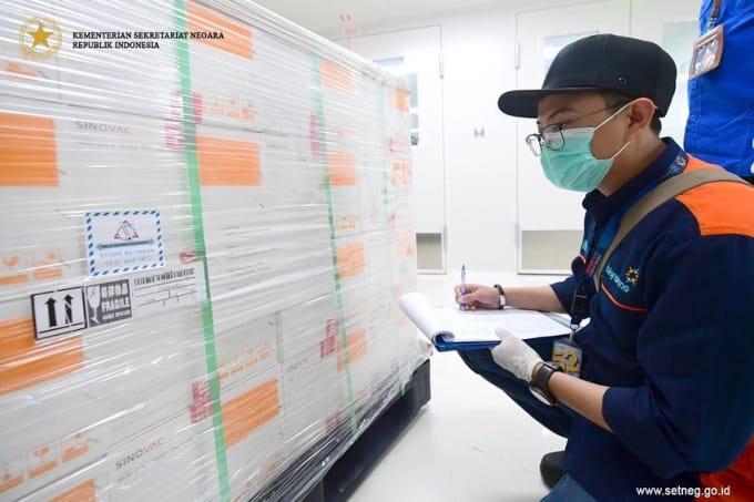 Pemerintah Siapkan 440 Ribu Nakes dan 23 Ribu Vaksinator