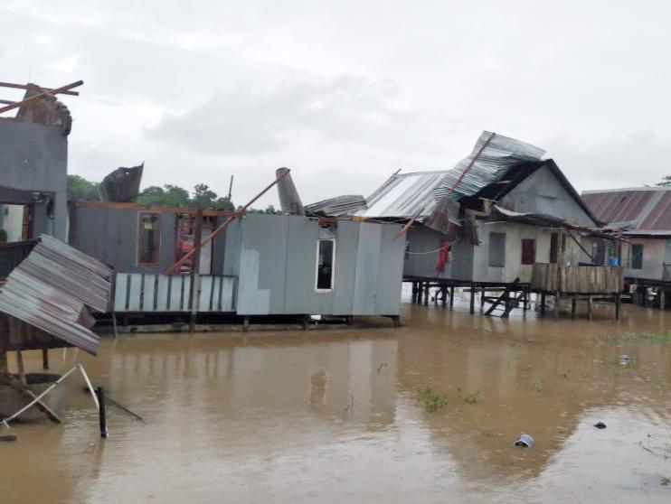 Empat Rumah Rusak Parah Dihantam Angin Puting Beliung di Kecamatan Marusu Kabupaten Maros