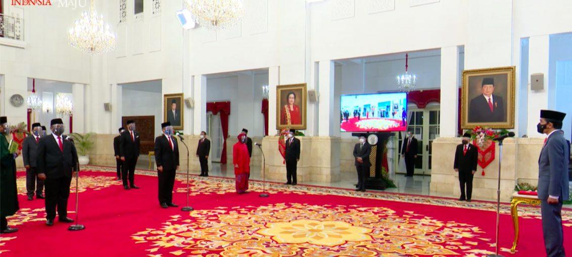Kepada Menteri dan Wamen yang Baru, Presiden Jokowi: Harus Lebih Baik