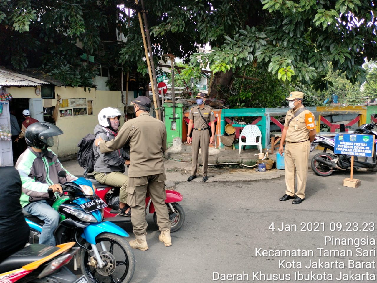 Penegakan Hukum Prokes Masih Terus Digencarkan Dikawasan Mangga Besar, Jakarta Barat