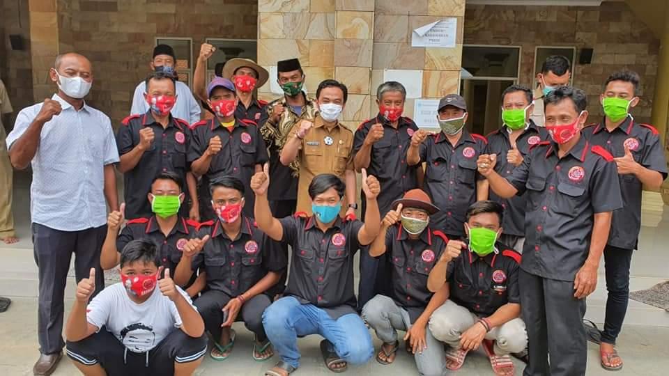 Panglima LASKAR Berikan 6 Unit AC untuk Masjid Nurul Huda Desa Panyingkiran