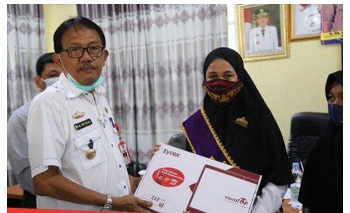 Penyerahan CSR PT. Indomarco Prismatama Dihadiri Bupati Agus Istiqlal