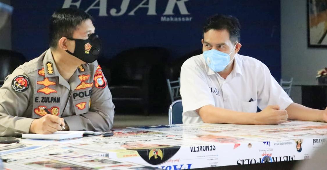 Jalin Silaturahmi, Kabidhumas Polda Sulsel Kunjungi Media di Makassar