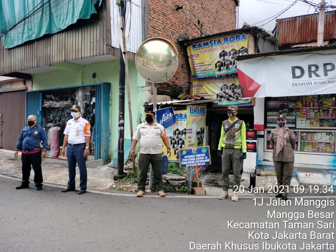 Operasi Masker dan Pendataan terhadap Perusahaan Dilakukan Satpol PP Mangga Besar.