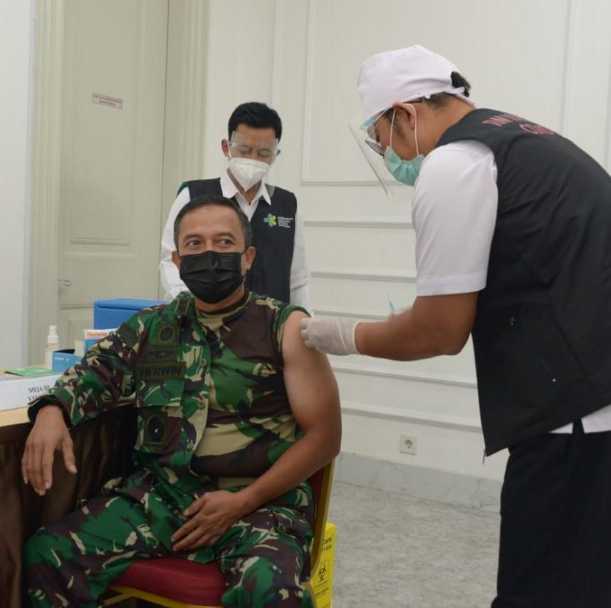 Kapendam Jaya Tetap Bugar dan Sehat Setelah 2 Kali Menerima Suntikan Vaksin Covid-19