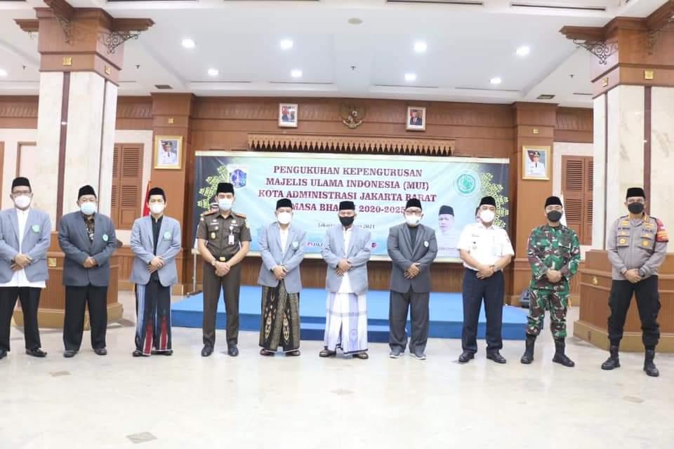 Walikota Jakarta Barat Hadiri Musyawarah Kerja Sekaligus Pengukuhan Pengurus MUI Jakbar 2020-2025