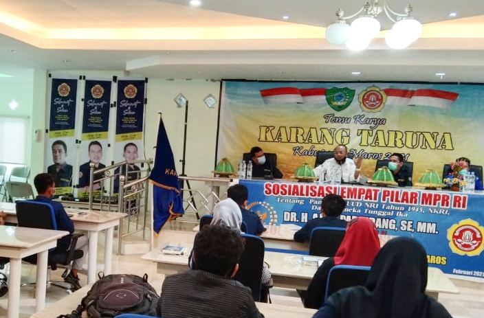 Anggota MPR RI Dr H.Ajiep Padindang Sosialisasi Empat Pilar Dengan Anggota Karang Taruna Kab Maros dan Masyarakat Moncong Loe