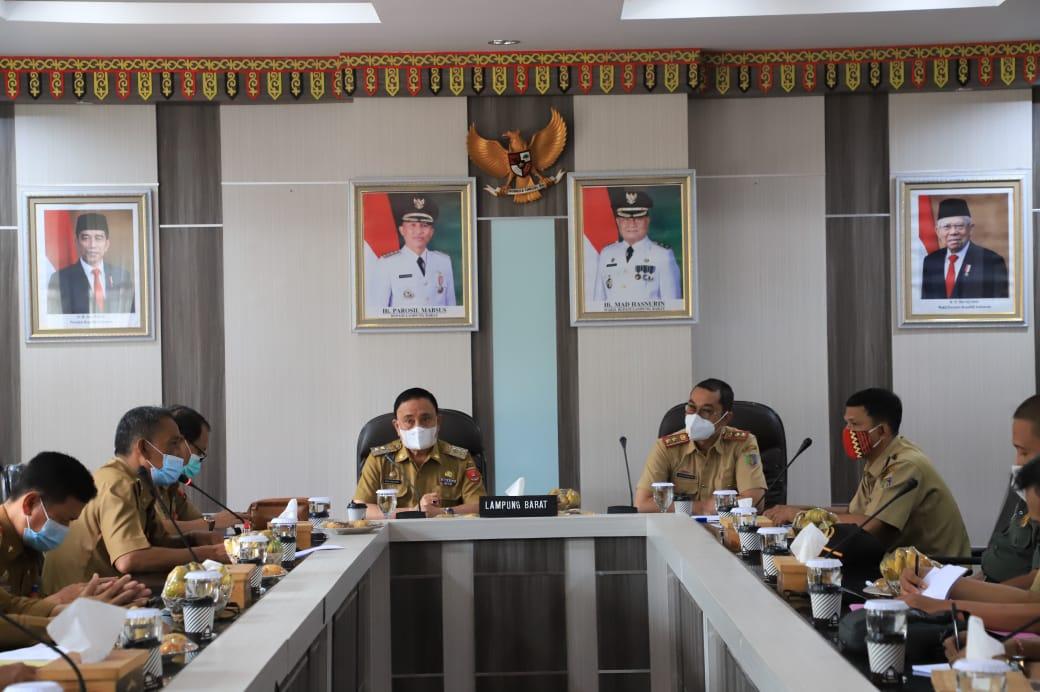 Wabup Lambar Terima Kunker Kepala Dinas Kehutanan Provinsi Lampung