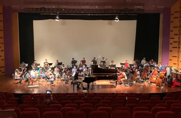 "Konser Daring Jonathan Kuo dan Jakarta Sinfonietta ""The Russian Connections"""