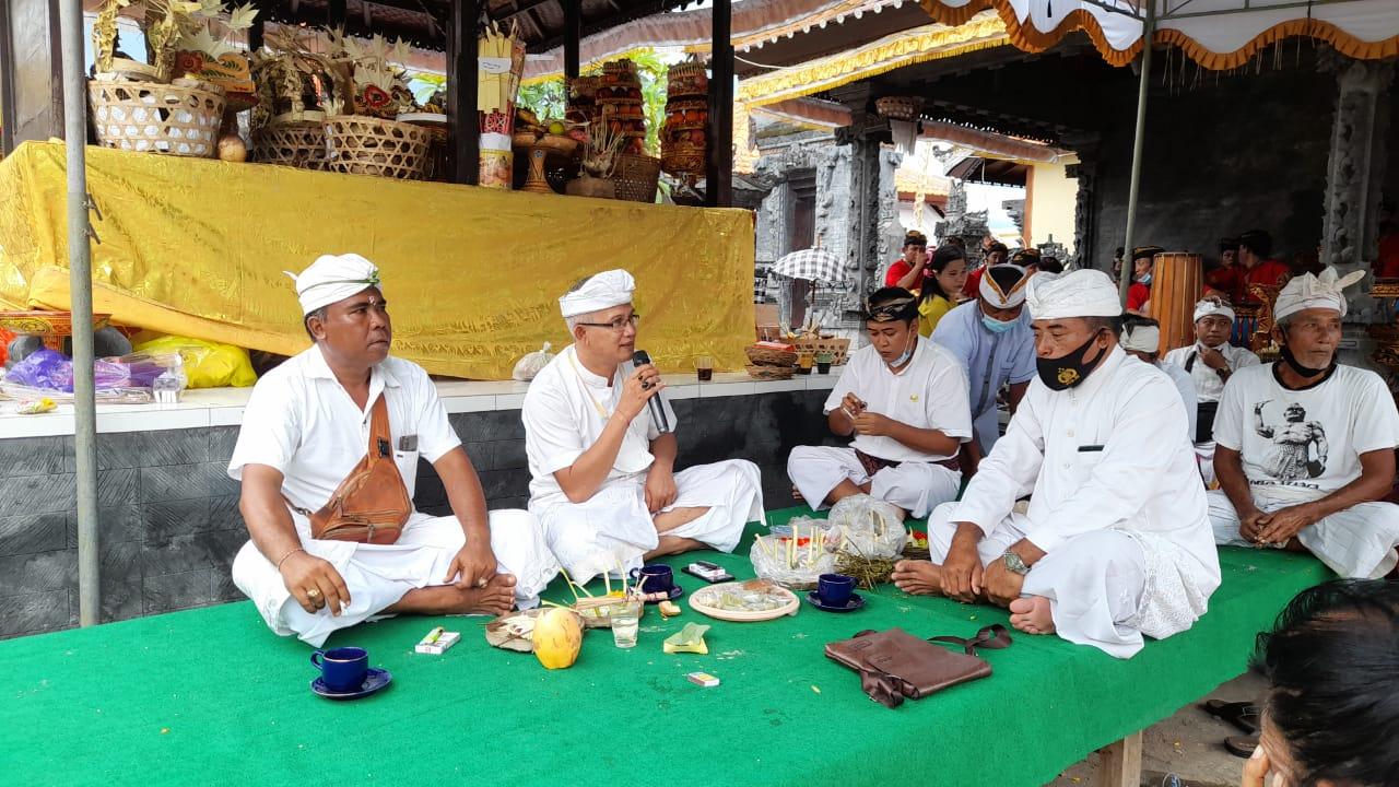 Kresna Budi Disambut Topeng Sidakarya HadiriNgenteg Linggih