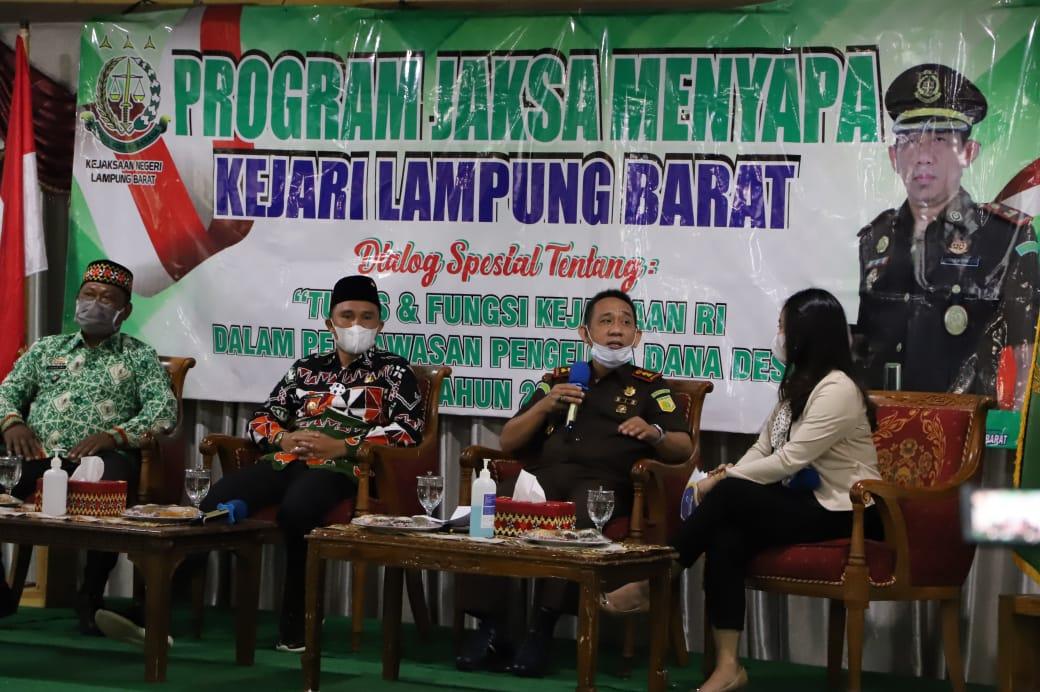 Bupati Parosil Hadiri Dialog Hukum Diselenggarakan Kejari Lambar